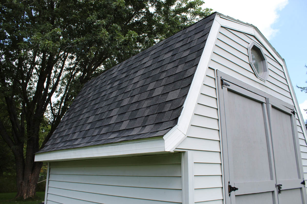 Black Roof Amp White Gutters Mequon Bci Exteriors