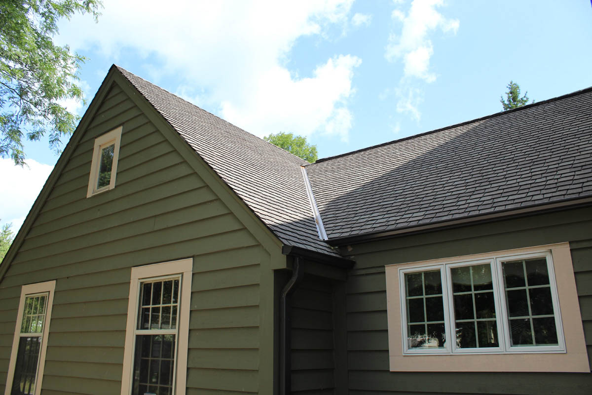 Modern Colonial Roof Mequon Bci Exteriors