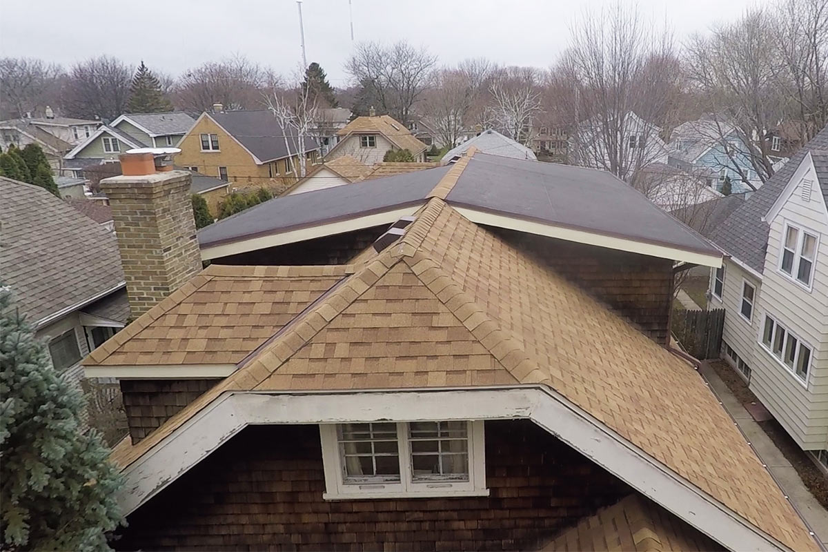 New Roof Amp Non Vented Soffit Shorewood Bci Exteriors
