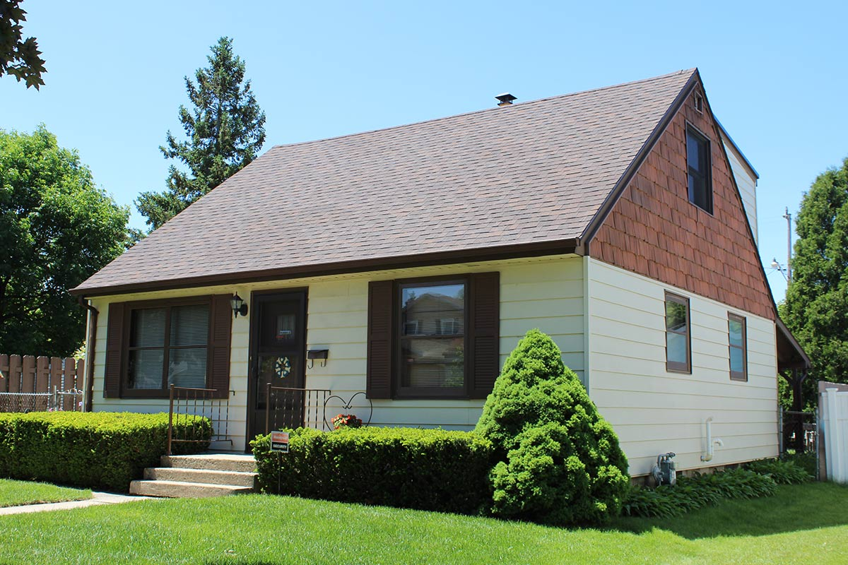 Small Brown Roof Milwaukee Bci Exteriors